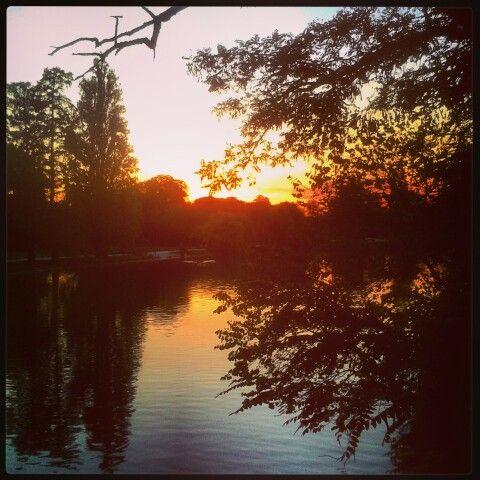 The Scarlet Sunset #Paris #sunset #autumn #fall #boisdevincennes