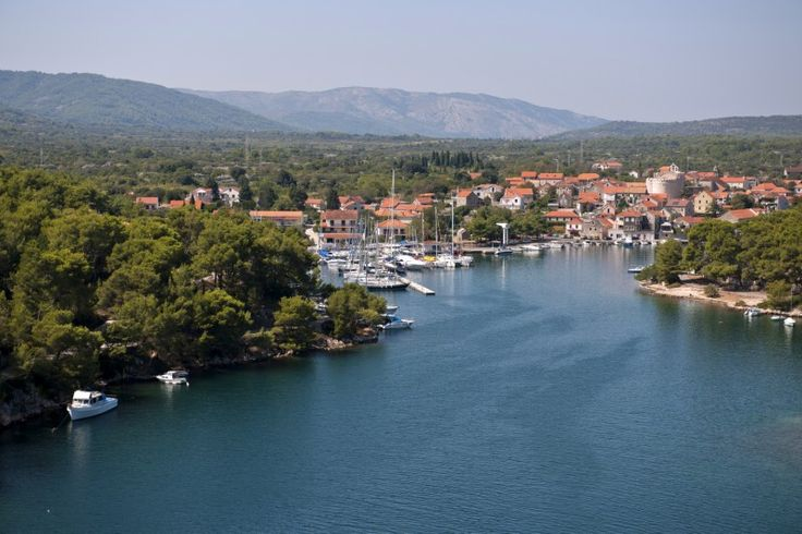 ACI Vrboska Although it is the smallest town on the island of Hvar, the beauty of Vrboska easily surpasses that of all the others, primarily due to its  geographical location.