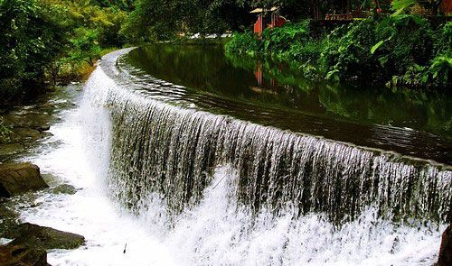 Athirappally water fall is the best waterfall in in kerala. Mystical rose provides tour packages to Athirappally.