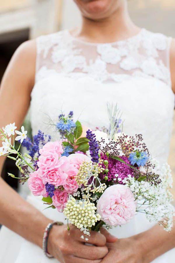 Erbe aromatiche e fiori di campo per un matrimonio green: Giulia e Daniele