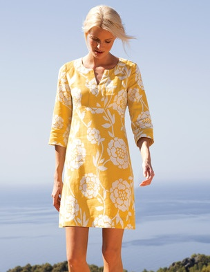 Boden Tunic. Pair with Bright colored bag and shoes
