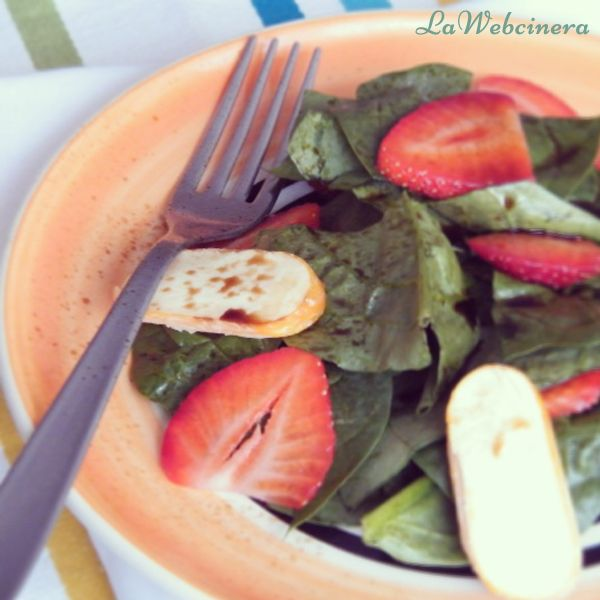Ensalada de espinacas y fresas.