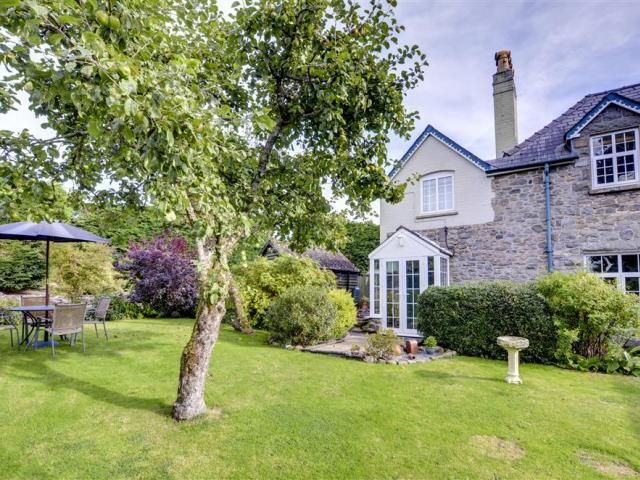 Orchard House, Newbridge-on-Wye - Mid Wales & The Brecon Beacons