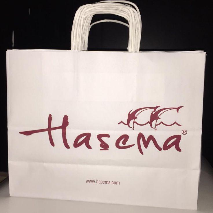 Haşema Tekstil Kağıt Poşetleri hazır. Hayırlı işler diliyoruz.  @hasemaofficial  www.hasema.com  #hasema #hasema2015modelleri  #kagitposet #kagitposetfabrikasi #kratfposet #kartonposet #kartoncanta #reklamposeti  www.reklamposeti.com