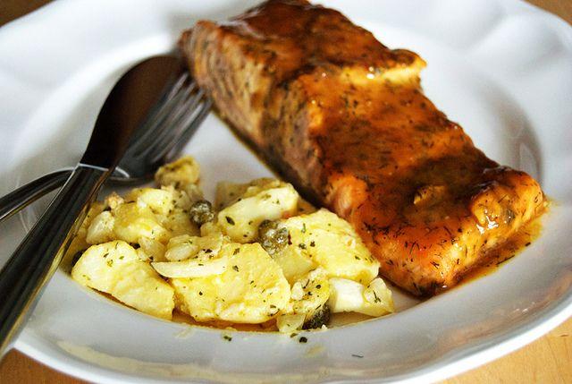 Salmón horneado a la mostaza y la miel - http://www.todareceta.es/r/salm%C3%B3n-horneado-a-la-mostaza-y-la-miel-9383186.html