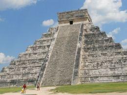 Pyramid at Chichen Itza, Mexico: