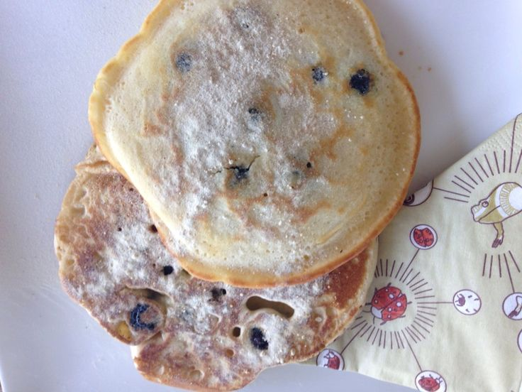 American blueberry pancakes with wholemeal: http://forkandkniv.com/american-blueberry-pancakes-wholemeal/