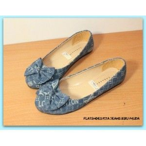 Flatshoes Pita Jeans Biru Muda