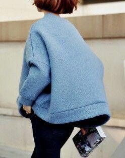 Oversized blue jumper | Image via coffeebags-n-shoes.tumblr.com