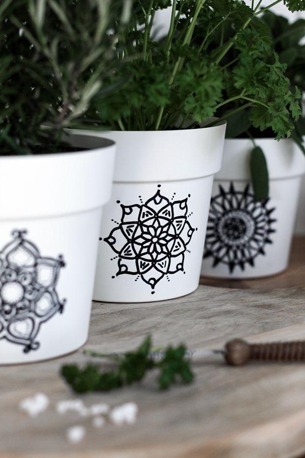 DIY Mandala herb planter!