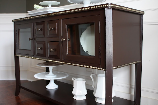 The Yellow Cape Cod: Table Makeover. nailhead trim - yes!: Paintings Furniture, The Doors, Idea, Building, Black Beans, Nailhead Trim, Yellow Capes Cod, Tables Makeovers, Diy Projects