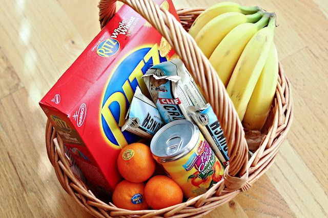 BEYOND MEALS: SNACK BASKETS, GIFT CARDS, AND OTHER TIPS FOR HELPING FRIENDS AND NEIGHBORS DURING A HOSPITAL STAY