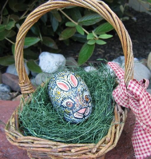 painted rock Easter bunny: Amazing Photo