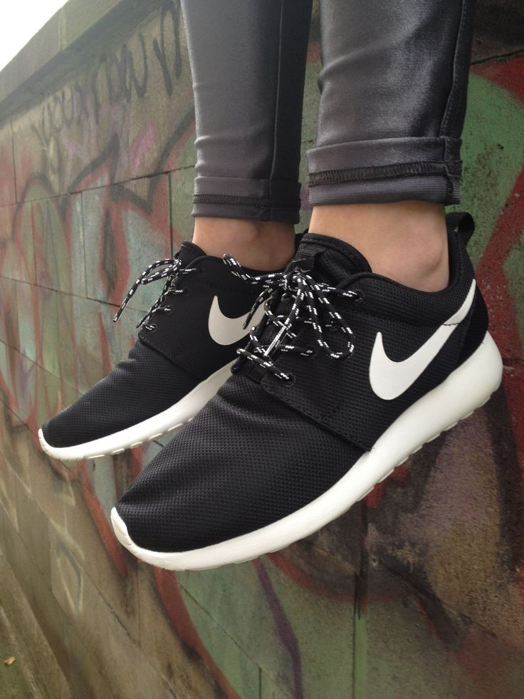 The Best Men S Shoes And Footwear Nike Roshe Run Sneakers Fashion Inspire Fashion Inspiration Magazine Beauty Ideaas Luxury Trends And More Tennis Shoes Outfit Nike Roshe Run Nike Shoes Roshe
