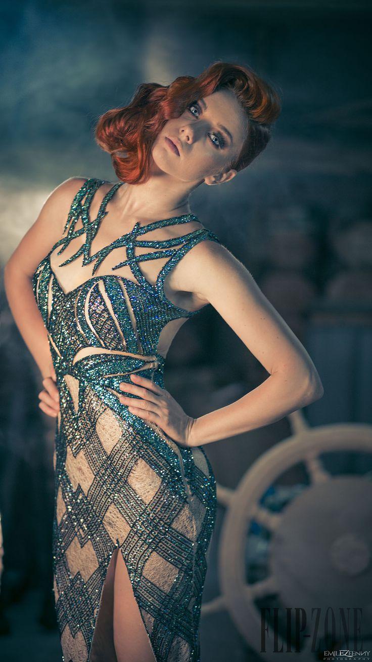 Charbel Zoe Automne-hiver 2014-2015 - Haute couture - http://fr.flip-zone.com/fashion/couture-1/independant-designers/charbel-zoe-4849