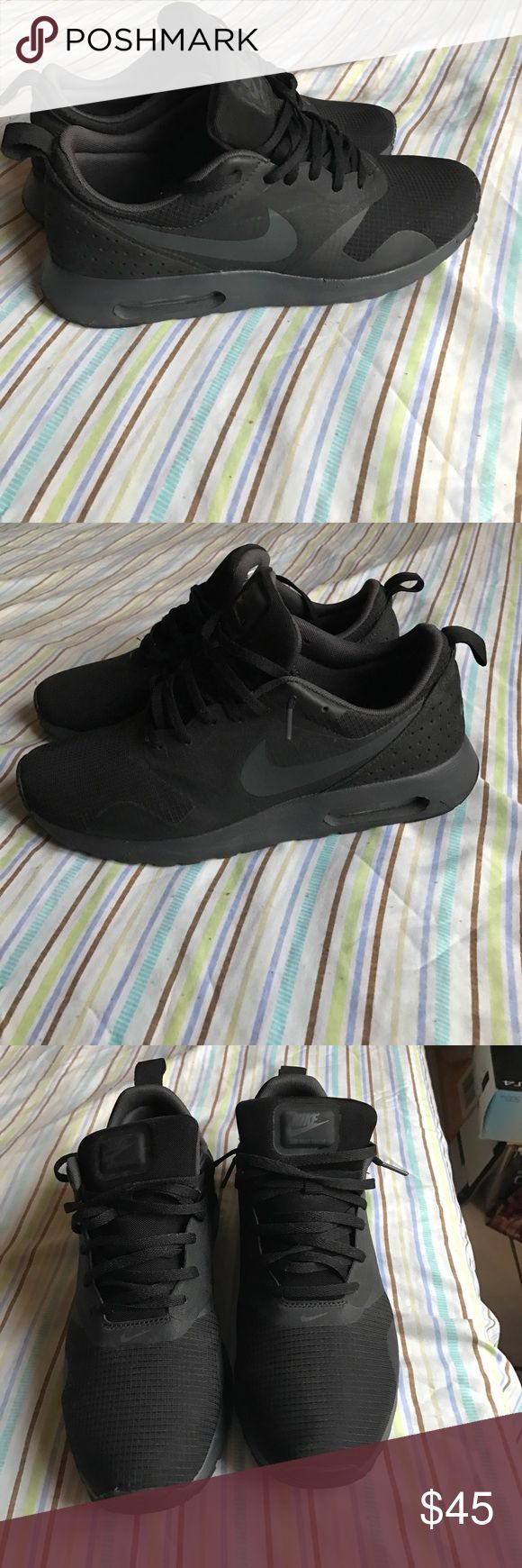 Nike Air Max Tavas (Black) Nike Air Max Tavas black. In Excellent condition. Only Worn Twice. Nike Shoes Athletic Shoes