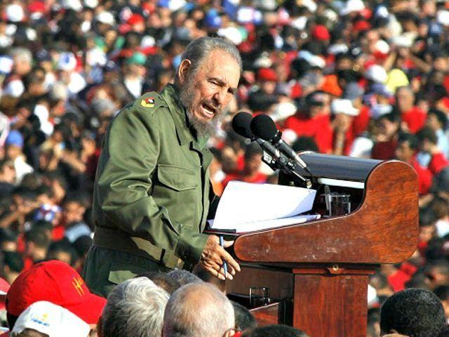 Josh Earnest: Fidel Castro a 'Towering Figure' - Breitbart