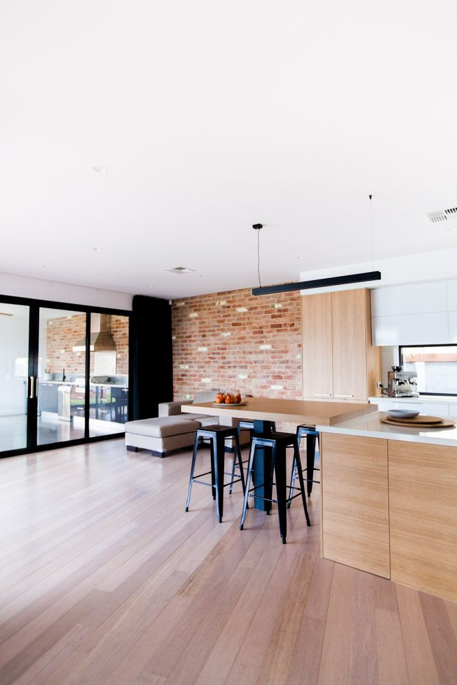 Shepperd Building Company / Stunning Contemporary Design / Kitchen