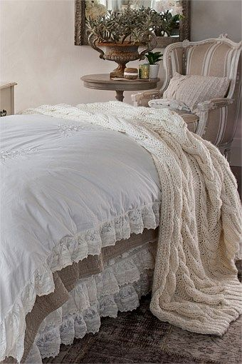 Home Decor - Trelise Cooper Young, Willing and Cable Knit Throw