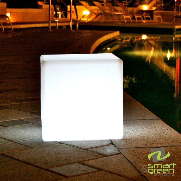 Cube Sharp Indoor/Outdoor Lamp