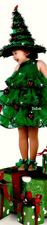 ❇Téa Tosh❇ Christmas tree costume