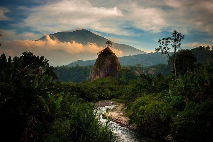 """Bukittinggi, Sumatra """"Tropical Paradise"""" door Morphological op Etsy"""