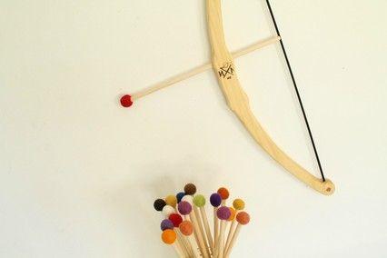 B - Bow & Arrow Set