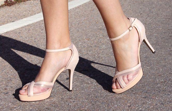 Sandalias de piel rosa palo