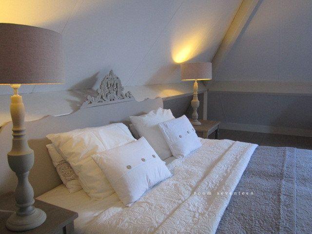 Hoofdeind  brocante stijl €295   Room Seventeen