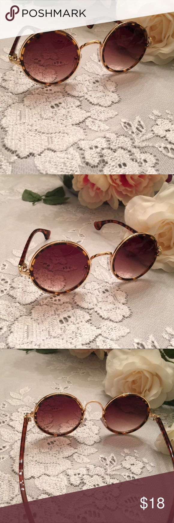 Brown Leopard/Gold Retro Shades.   NWT Soo trendy! Soo retro! Brown leopard with gold. 🎀🎀 No Brand Accessories Sunglasses