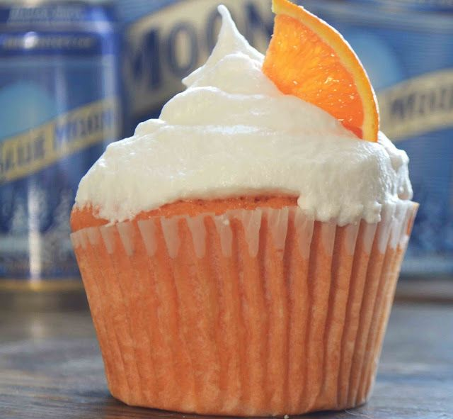 Bakeaholic Mama: Blue Moon White Ale Cupcakes> These cupcakes sound very unusal but I know if my husband was still alive he would love them