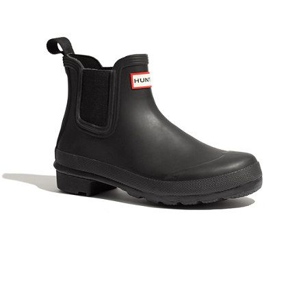 From the folks at Hunter Boot Limited—the over 150-year-old Edinburgh-based company—comes the next generation of our favorite old-school Wellies. Here, the traditional Wellington is transformed into a short pull-on style. Boots run large to allow for socks in cold weather. Please note: Half sizes order down. <ul><li>Rubber upper.</li><li>Rubber sole for traction.</li><li>Import.</li><li>Madewell.com only.</li></ul>