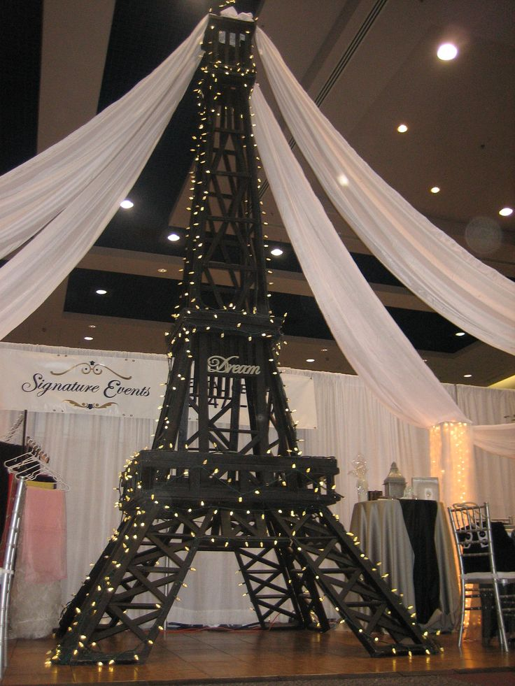 eiffel tower party decorations signature events rental. Black Bedroom Furniture Sets. Home Design Ideas