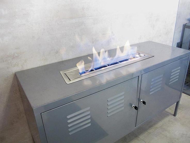 Monta tu mismo un #quemador de #bioetanol en un mueble  #original #DIY #fácil #bandeja acero inoxidable    Paso 4. Llena de bioetanol tu quemador siguiendo las instrucciones de Uso y Seguridad.  Ya puedes disfrutar de tu quemador de bioetanol Shioconcept.!!
