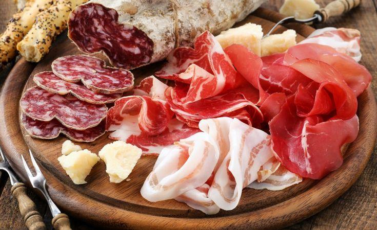 Cum se afuma carnea de porc. De la muschi si carnati la slanina si oase pentru ciorba - Case practice