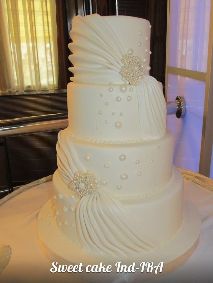 round wedding cakes pictures 57 best wedding cakes images on cake wedding 19330