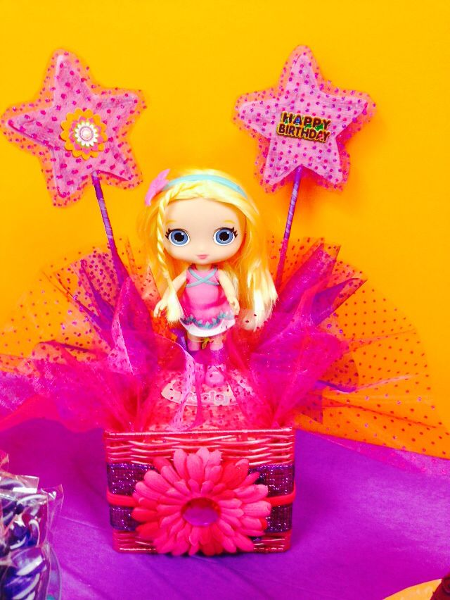 Little Charmers Poise birthday centerpiece