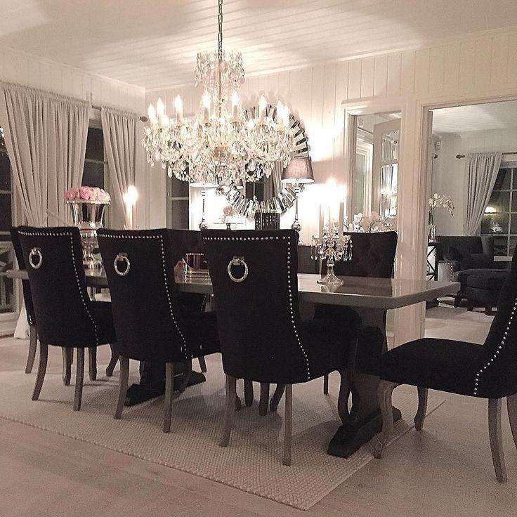 Se så lekkert det ble!! Repost @rita.k.j Da er stoler og bord på plass#classicliving #duchessstol #spisestue #myhome