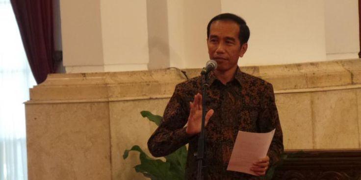 #Jokowi #Apple #TimCook Presiden RI Joko Widodo bakal bertandang ke Silicon Valley untuk pertama kalinya pada 25-29 Oktober 2015. Agenda utamanya ialah untuk membicarakan investasi teknologi dan peningkatan akses internet di Indonesia. Secara spesifik, sang Presiden telah mengatur pertemuan khusus dengan CEO Apple Tim Cook. Jumat (16/10/2015), Dilansir dari Reuters, Jokowi bakal makan malam dengan Cook untuk membahas #investasi #timah di Indonesi