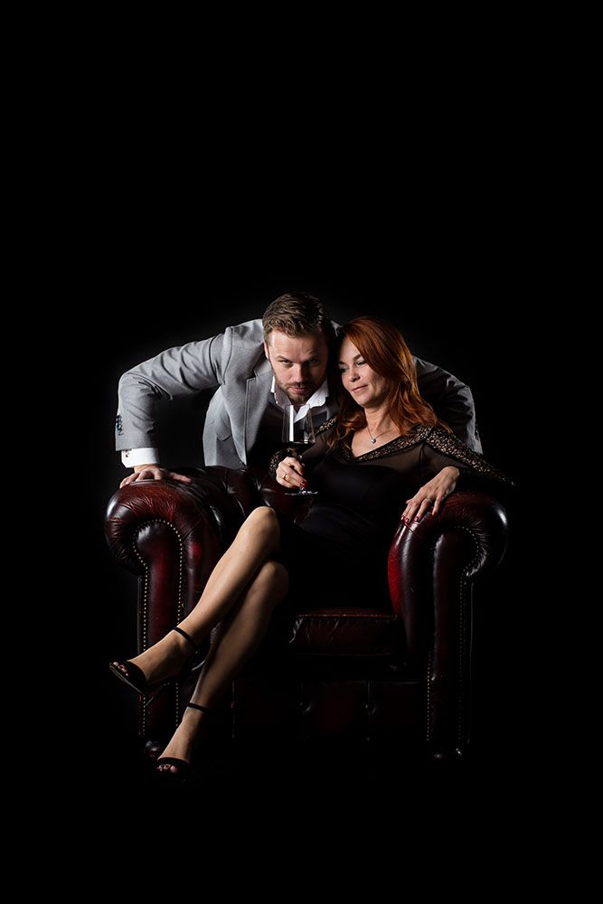 seat - leather - Dimitri Bonte - wine - couple - shoot beeldpunt Start2Taste photography - photographer - Valerie Clarysse - Beeldpunt