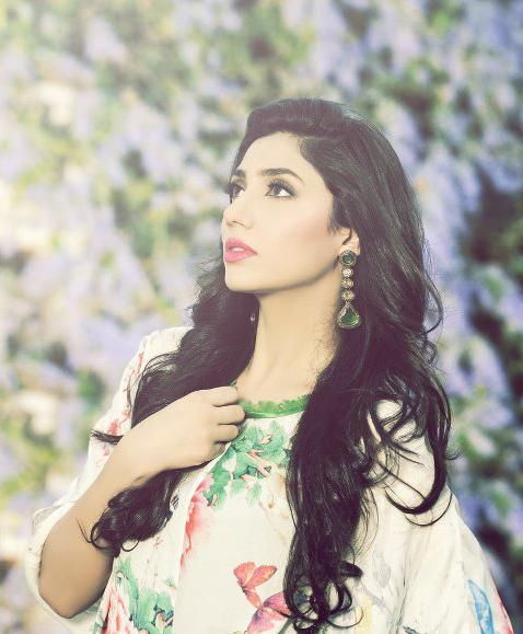 8 Photos Of Raees Actress Mahira Khan Guaranteed to Make You Melt into a Puddle!