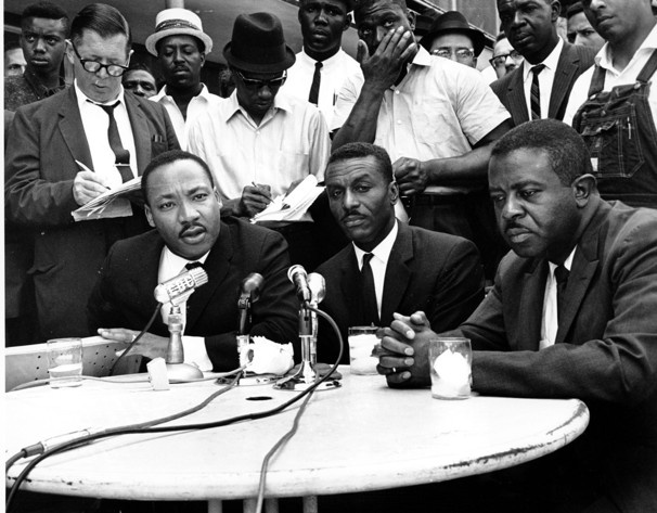 Civil rights leader Shuttlesworth dies    The Rev. Fred Shuttlesworth, 89, had been hailed by Martin Luther King Jr. for his courage and energy.      Civil rights leaders, from left, the Rev. Martin Luther King Jr., the Rev. Fred Shuttlesworth and the Rev. Ralph Abernathy hold a news conference in Birmingham, Ala.  AP