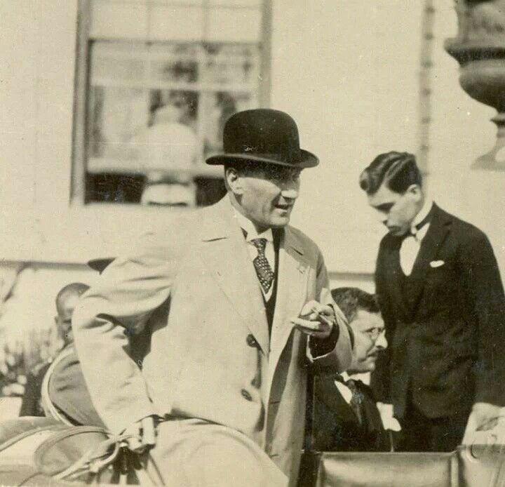 Atatürk and his fashion style, 1936