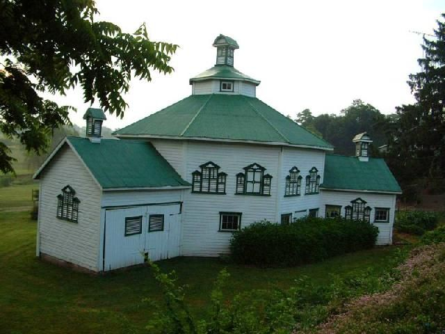1000 Images About Round And Octagonal Barns On Pinterest