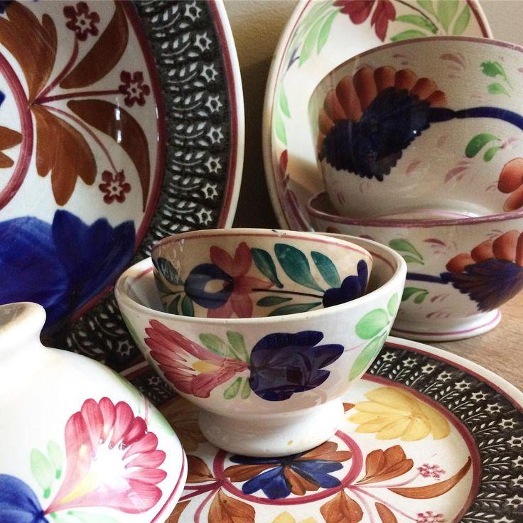 31 vind-ik-leuks, 3 reacties - @verstilde_schoonheid op Instagram: 'My collection of antique Dutch pottery #spongeware #boerenbont #antiquepottery'