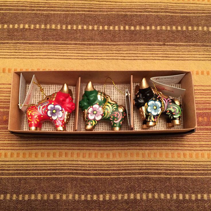 Set of 3 Peruvian Ceramic Pucara Bulls (Mini). Learn more at: http://www.zollera.com