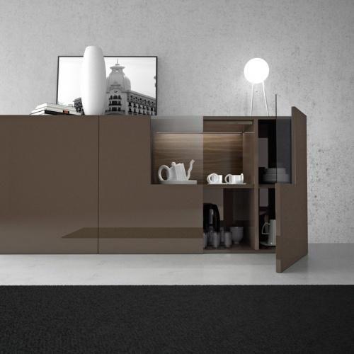 Detalle de aparador moderno de color caf ideal para un for Aparadores modernos