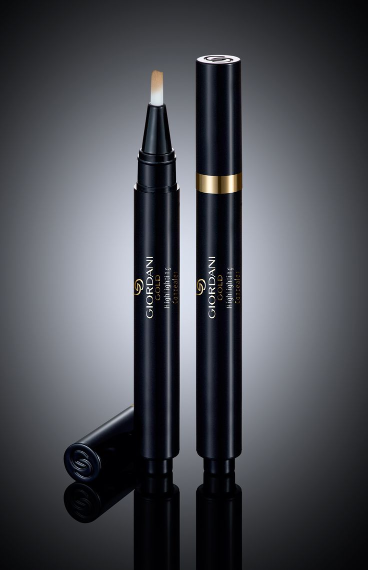 Wave goodbye to under-eye bags for good with the new Giordani Gold Highlighting Concealer.