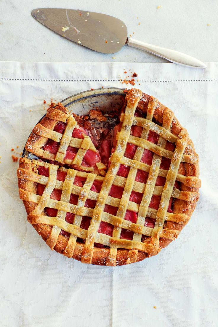 A sweet rhubarb tart recipe made with almond pastry.