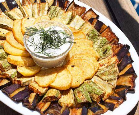 Stekta grönsaker med fetadipp | Recept från Köket.se